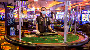 Masks in online casinos