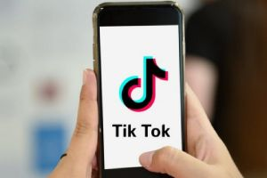 Tik Tok Surpasses 2 Billion Downloads